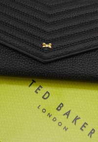 Ted Baker - TONYA QUILTED ENVELOPE MATINEE - Portefeuille - black - 2