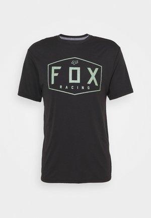 CREST TECH TEE - T-Shirt print - black/green