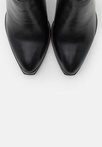 Laura Biagiotti - High heeled ankle boots - black - 5