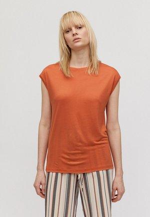 Basic T-shirt - starfish