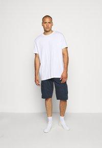Jack´s Sportswear - CARGO KNICKERS WITH BELT - Shorts - dunkelblau - 1