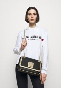 Love Moschino - Sac bandoulière - fantasy color - 0
