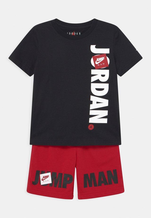 JUMPMAN SET - T-shirt imprimé - gym red