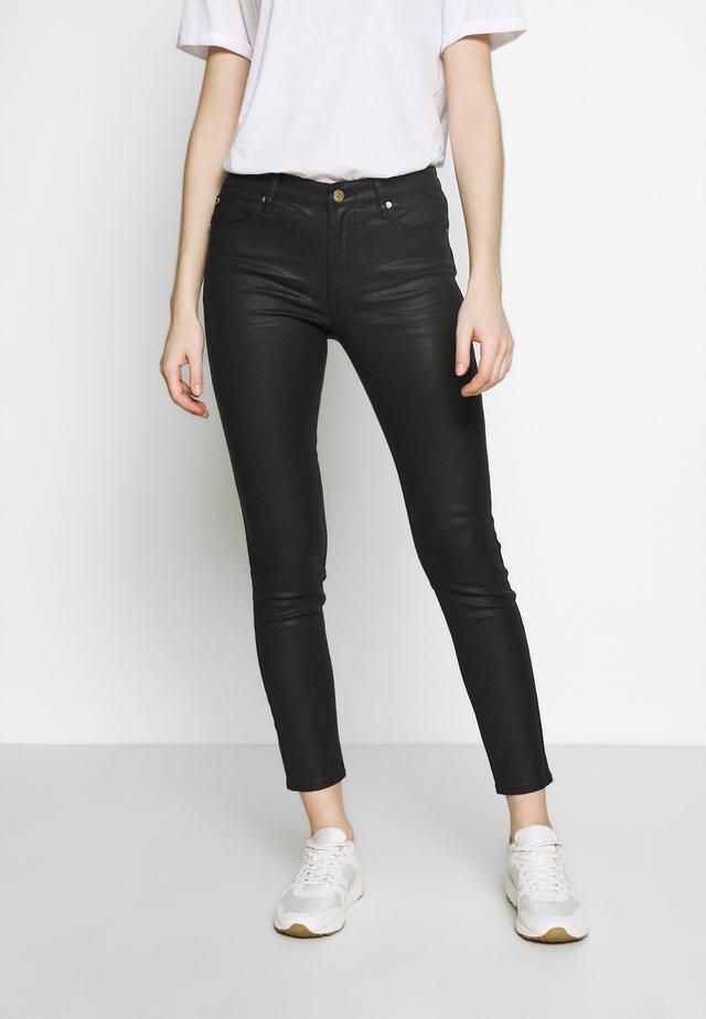TASCHE - Slim fit -farkut - black denim
