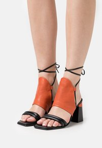 lilimill - Sandals - coral - 0