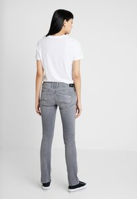 Pepe Jeans - HOLLY - Jean droit - denim - 2