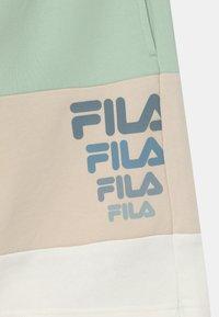 Fila - PADDY BLOCKED  - Shorts - silt green/rainy day/snow white - 2