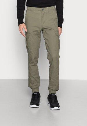 JJIMARCO JJJOE CUFFED - Cargo trousers - dusty olive