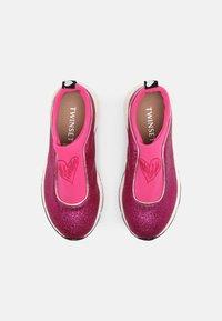 TWINSET - ARTIST HEART - Sneakersy niskie - fuchsia/purple - 3