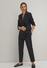 Massimo Dutti - Pantalon classique - blue/black denim - 3