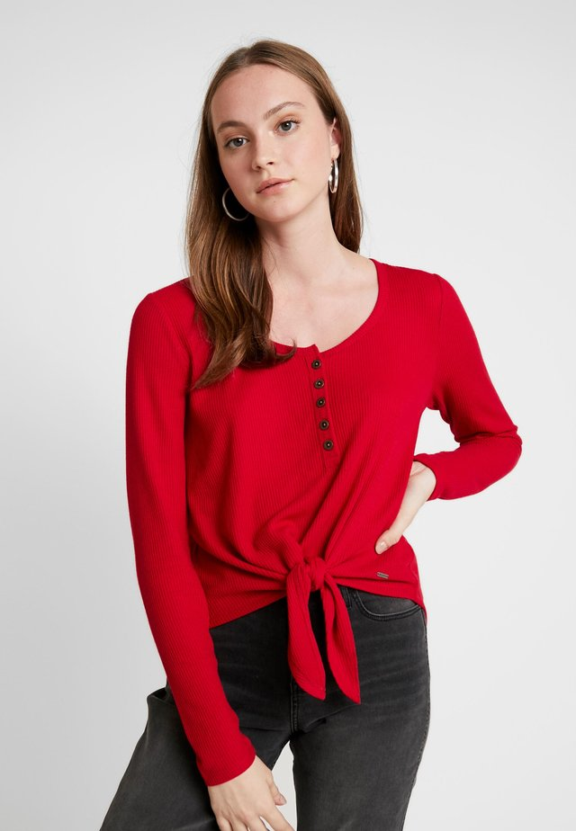 EASY HENLEY TIE FRONT - T-shirt à manches longues - red