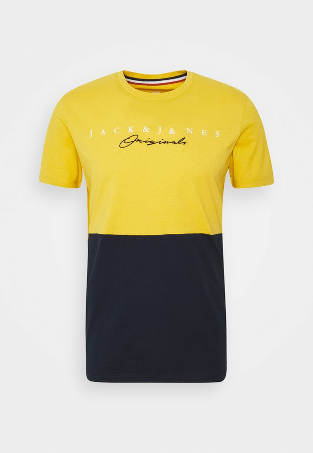 JORSTATION - T-shirt imprimé - spicy mustard