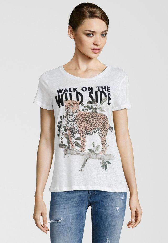 T-SHIRT LEOPARD - T-shirt imprimé - weiß