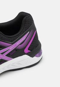 ASICS - GEL-SILEO 2 - Neutrální běžecké boty - black/digital grape - 5