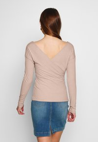 Nly by Nelly - CRISS CROSS SHOULDER - Long sleeved top - mauve - 2