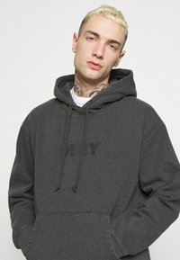 Obey Clothing - BOLD IDEALS SUSTAINABLE HOOD - Collegepaita - black - 3