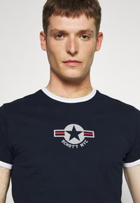 Schott - TSRANKS - Print T-shirt - navy - 3