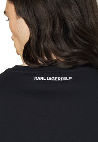 KARL LAGERFELD - CREWNECK - Print T-shirt - midnight blue - 3