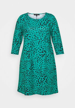 3/4 SLEEVE SWING DRESS - Day dress - green