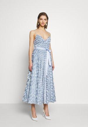 Společenské šaty - pale blue