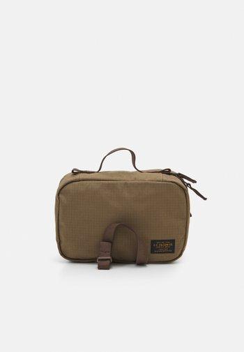 TRAVEL PACK - Wash bag - fieldtan