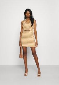 Glamorous - MAYA HALTER NECK CROP WITH SKIRT SET - Pencil skirt - yellow rust - 1