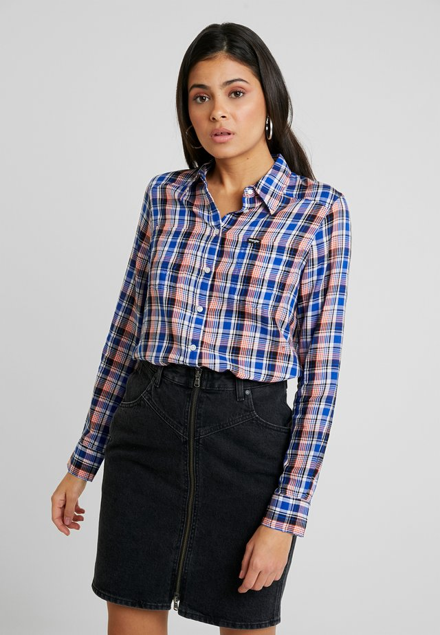SLIM REGULAR - Button-down blouse - cobalt blue