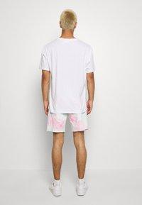Levi's® - PRIDE 501® '93 SHORTS - Shorts di jeans - pride faded tie dye - 2