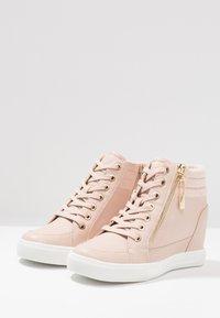 ALDO - AELADDA - Sneakers high - light pink - 4