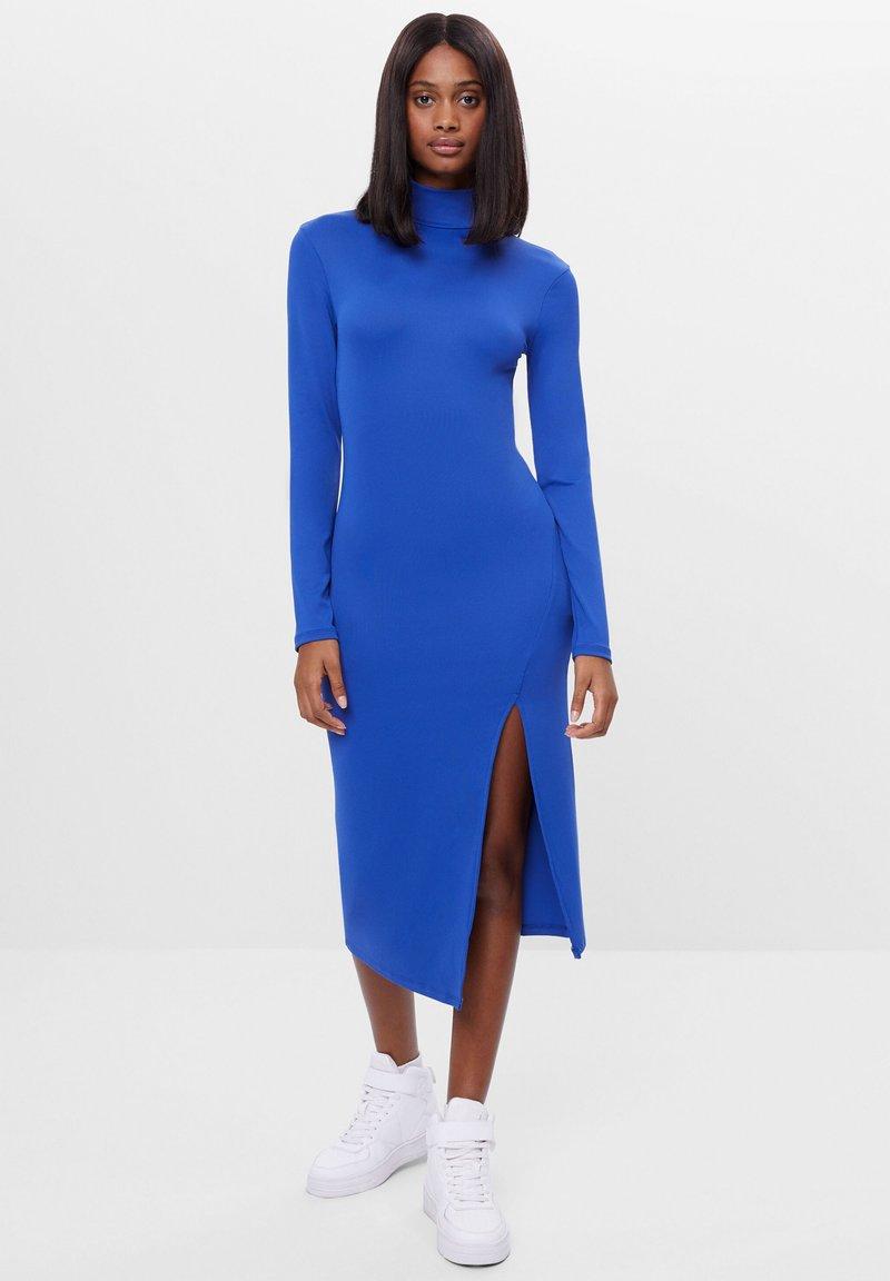 Bershka - Pouzdrové šaty - blue