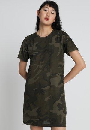 LADIES CAMO TEE DRESS - Žerzejové šaty - olive