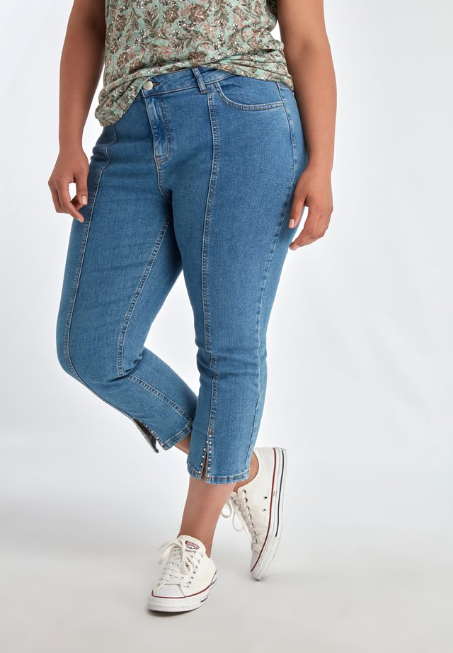 JEANS 7/8 SKINNY JEANS WITH STUDS AND SLIT - Jeans Skinny - blue