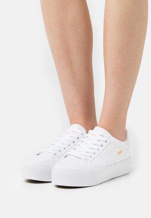 VEGAN ORCHID PLATFORM  - Sneakersy niskie - white