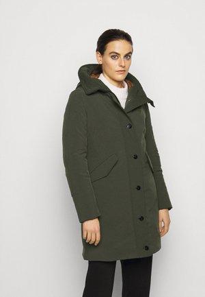 IMPERMEABILE TRENCH LUNGHI IMBOT PIUMA - Down coat - khaki