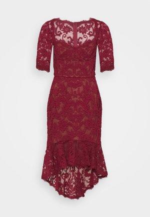 SLEEVE DAMASK DRESS - Robe de soirée - bordeaux