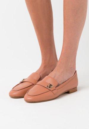 CATROUX - Nazouvací boty - tawny