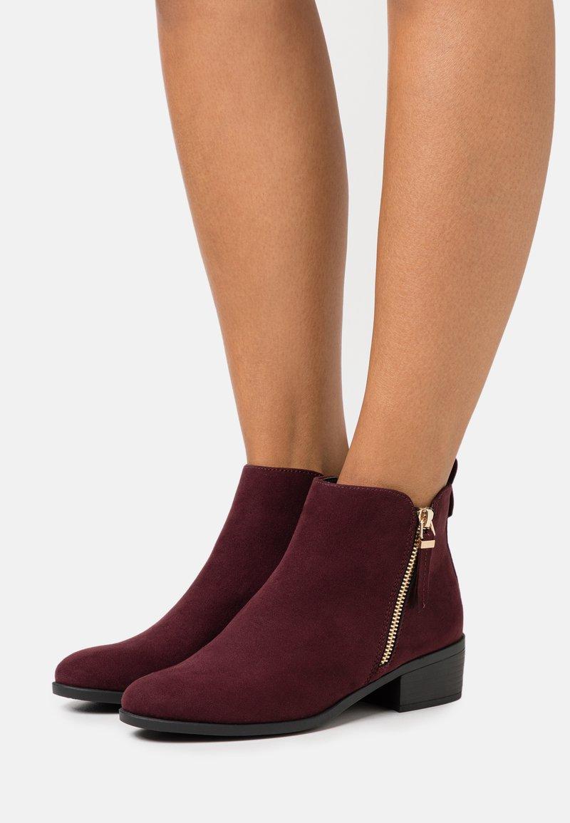 Dorothy Perkins - MACRO SIDE ZIP BOOT - Ankle boots - burgundy