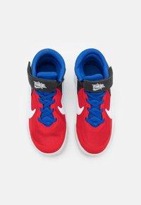 Nike Performance - TEAM HUSTLE D 10 FLYEASE UNISEX - Basketball shoes - off noir/white/university red/game royal - 3