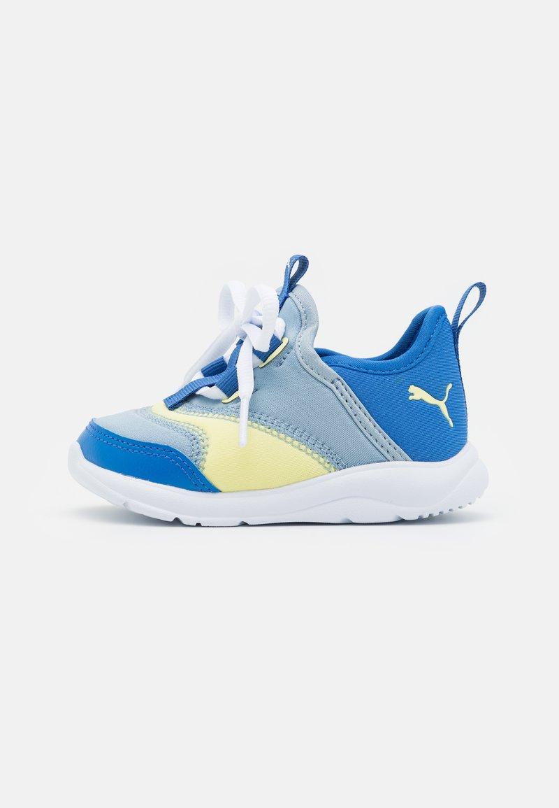 Puma - FUN RACER SLIP ON ELEVATE UNISEX - Neutral running shoes - blue fog/yellow pear