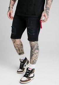 SIKSILK - Denim shorts - washed black - 0