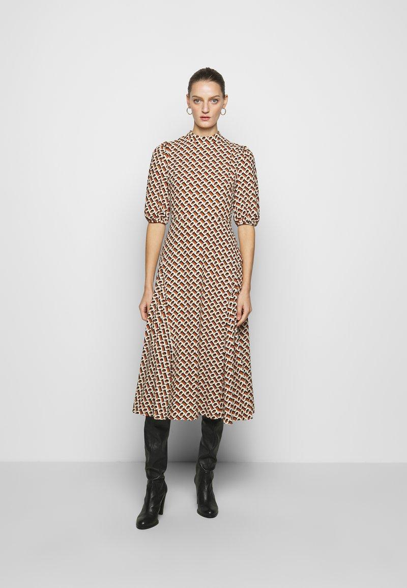 Diane von Furstenberg - NELLA - Denní šaty - chain caffe