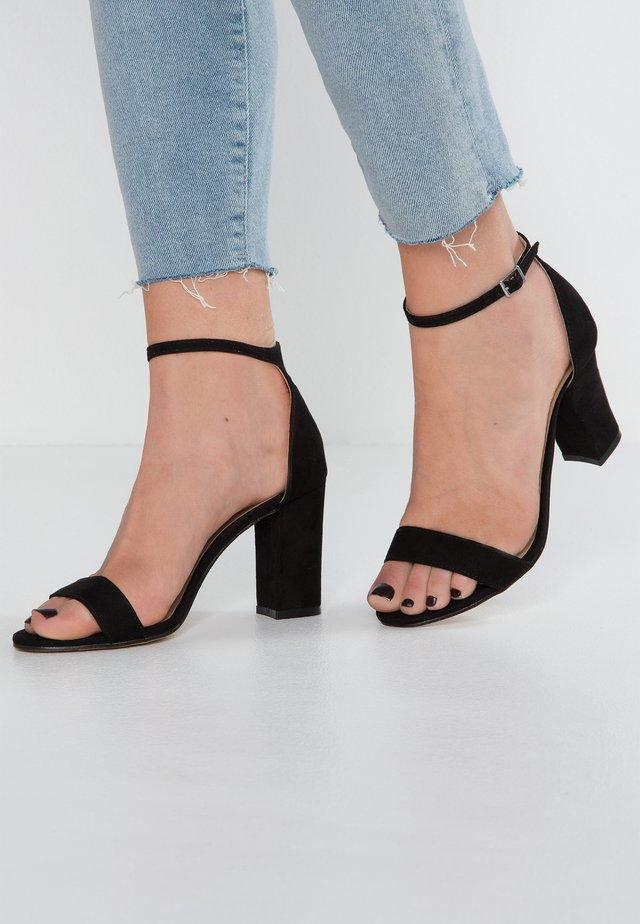 BEELLA - Korolliset sandaalit - black