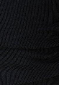 Bershka - Printtipaita - black - 5