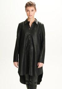 Notyz - ULRIKE - Button-down blouse - black - 0