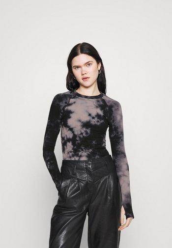 POLLUTION PRINT SEAMLESS LONG SLEEVE - Long sleeved top - black