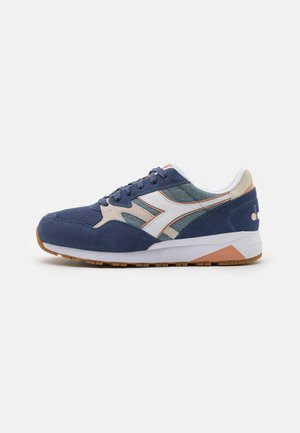 N902 SUMMER UNISEX - Trainers - blue lead