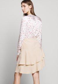 Bruuns Bazaar - LAERA DOLPHINE SKIRT - A-line skirt - sand - 4
