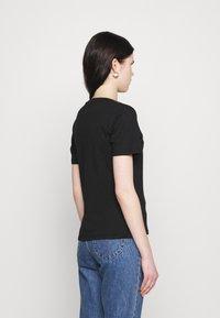 Tommy Jeans - T-shirts med print - black - 2