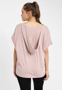 PONCHO COMPANY - T-shirt basic - mauve - 1