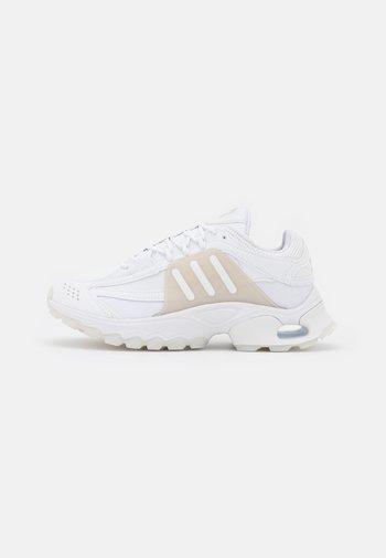 THESIA  - Sneakers basse - footwear white
